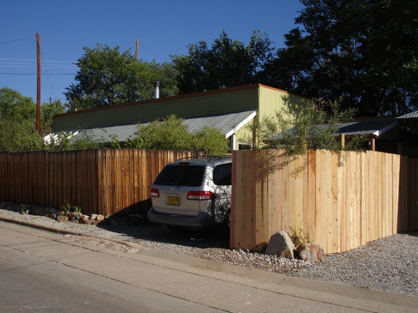 10 fence fin med